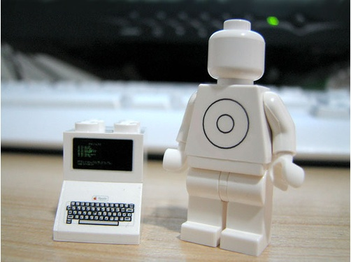 Lego Apple custom minifigs and accessories1