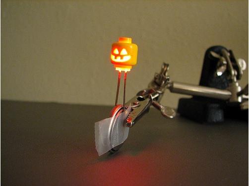Lego Custom minifig light up head
