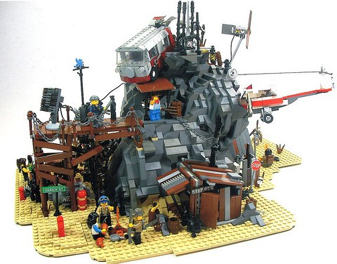 desert outpost custom MOC by Crimsonwolf