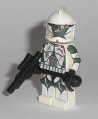 Battle damaged clone trooper by exxtrooper