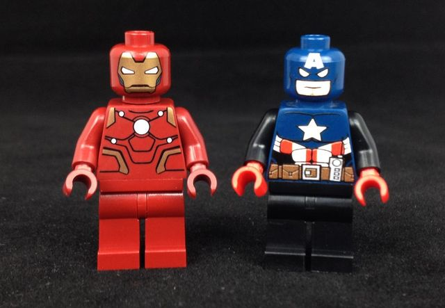 LeYiLeBrick Iron Man & Captain America Custom Minifigures