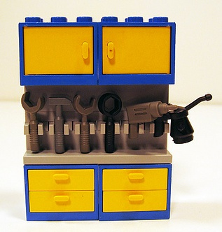 Lego custom minifig work bench