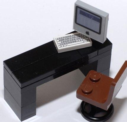 lego custom minifig Mac and desk by nieks